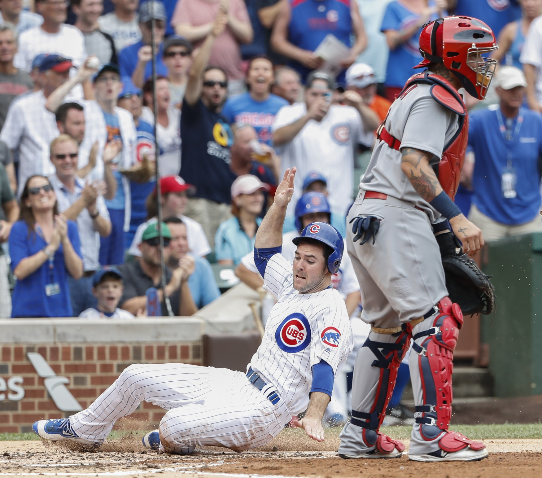 Wainwright's rough start sets tone for Cubs blowout